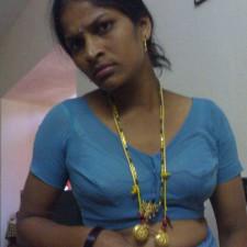 aunty nude saree blue