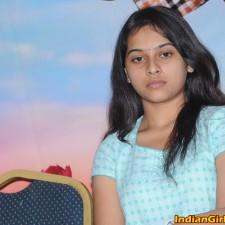 manasara-heroine-sri-divya-latest-sills-004