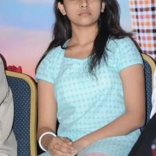 manasara-heroine-sri-divya-latest-sills-008