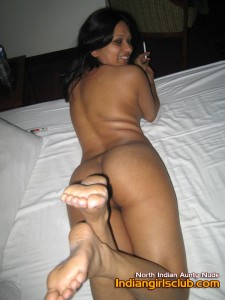 desi aunty nude 7