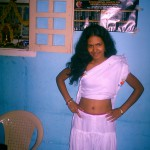 Believe Us – This Bangalore Girl Showing Navel is Wearing Chudidhar