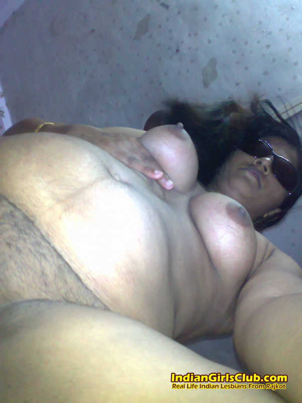 1 hot indian lesbian aunty