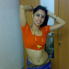 Indian aunty nude photos North