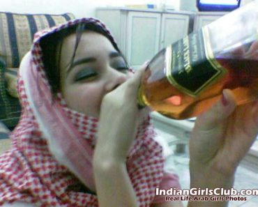 arab sex girls drinking