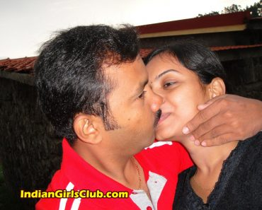 indian lovers kissing 1