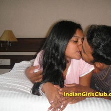 indian lovers kissing 10