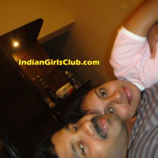 indian lovers kissing 3