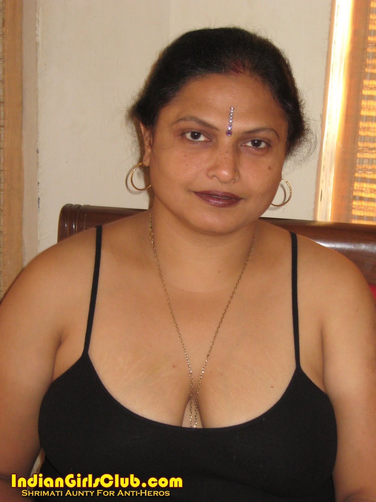Mature indian aunties nude can