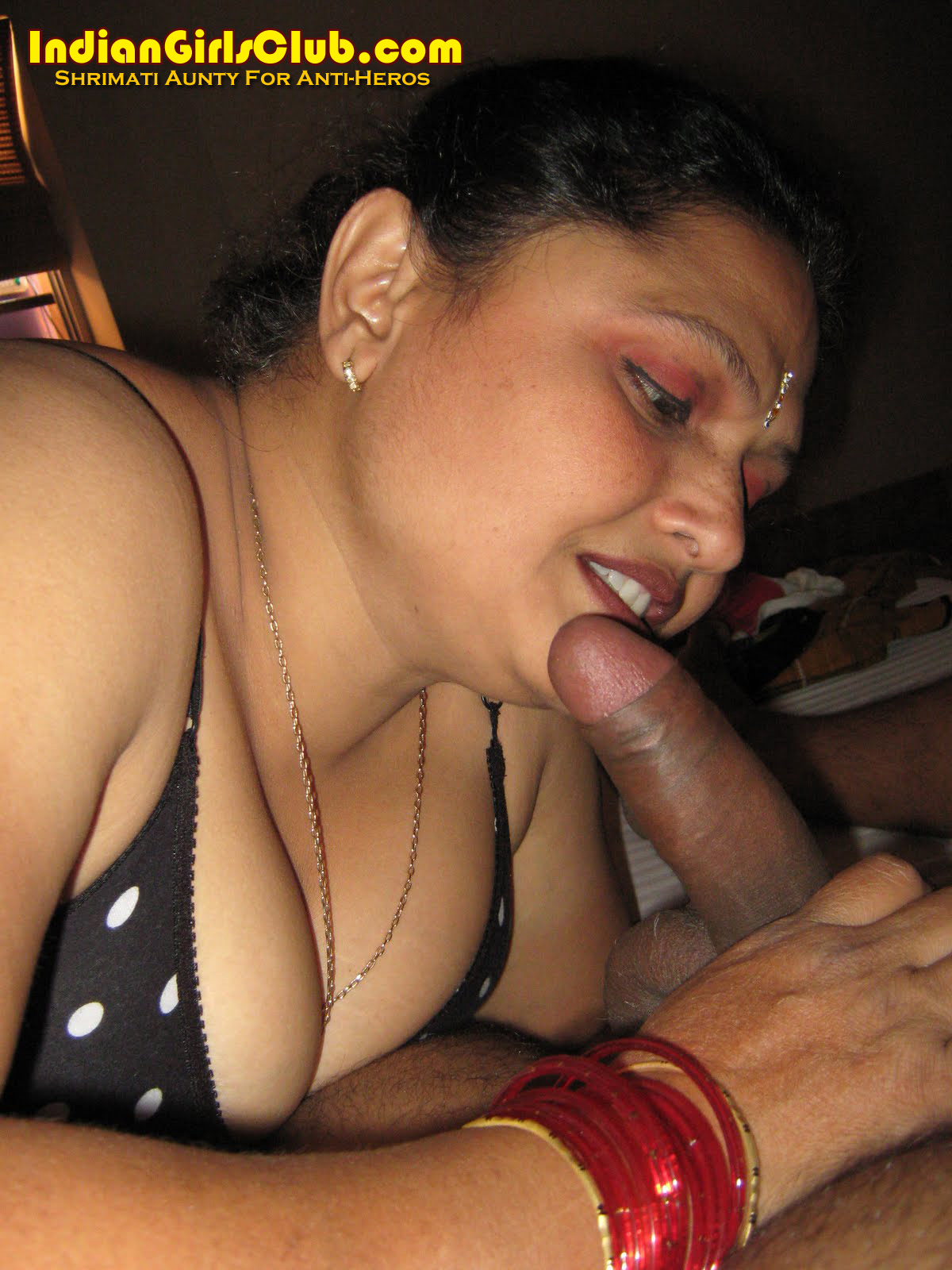 Telugu lovers sex my skype id moddatelugu09 add me - 3 1
