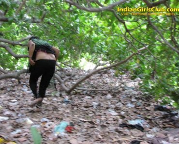 tamil aunty peeing 1