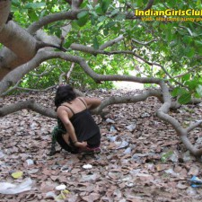 tamil aunty peeing 4