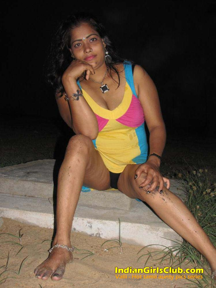 nude aunty Tamil wet