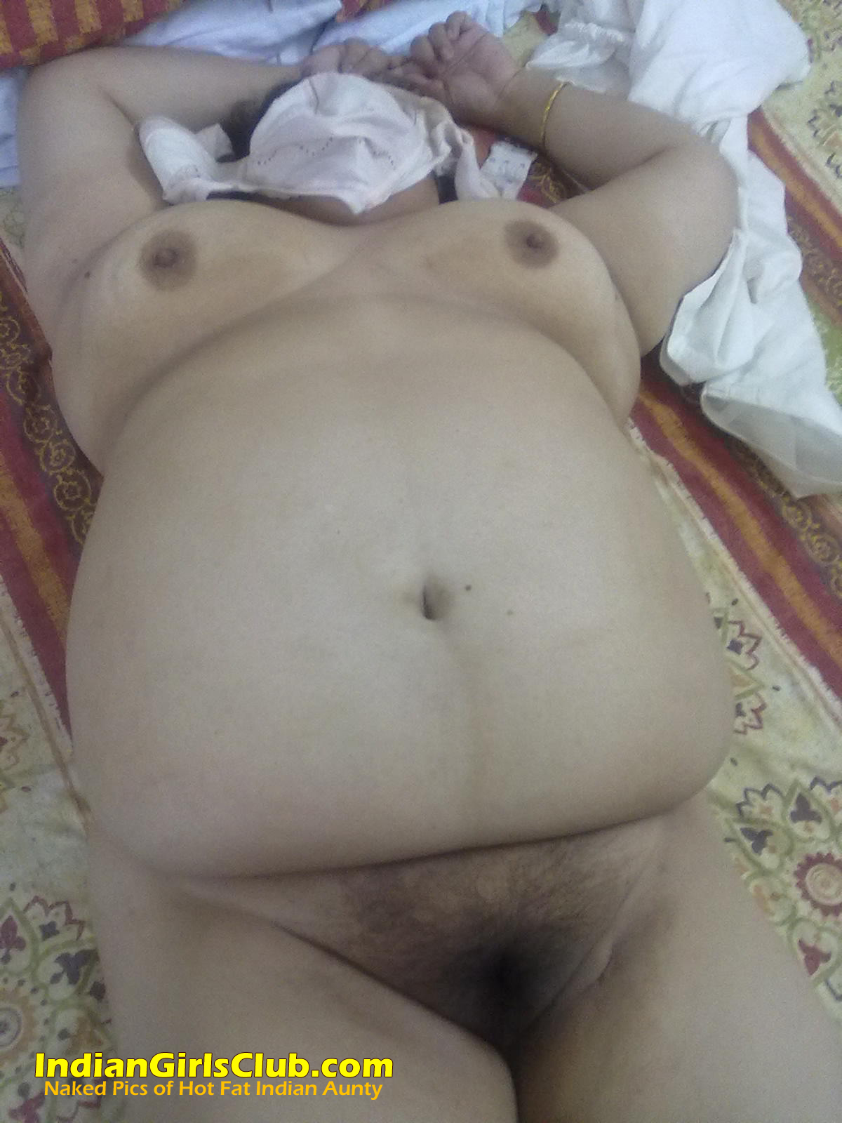 fat indian aunty nude 38