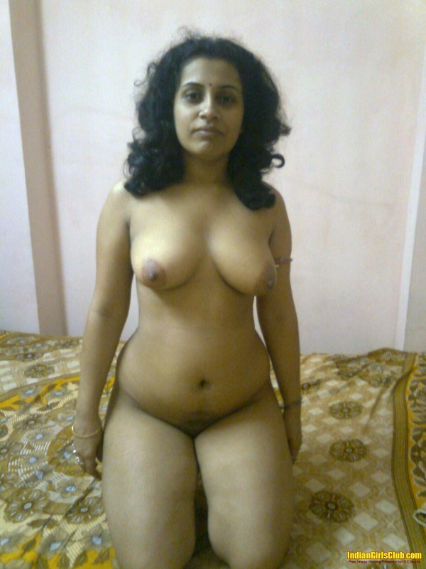 Kerala Aunty Sitting Nude On Bed S