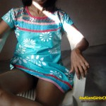 Slim Bhabhi Shows her Pussy Clearly