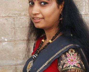unmarried half saree girl 1