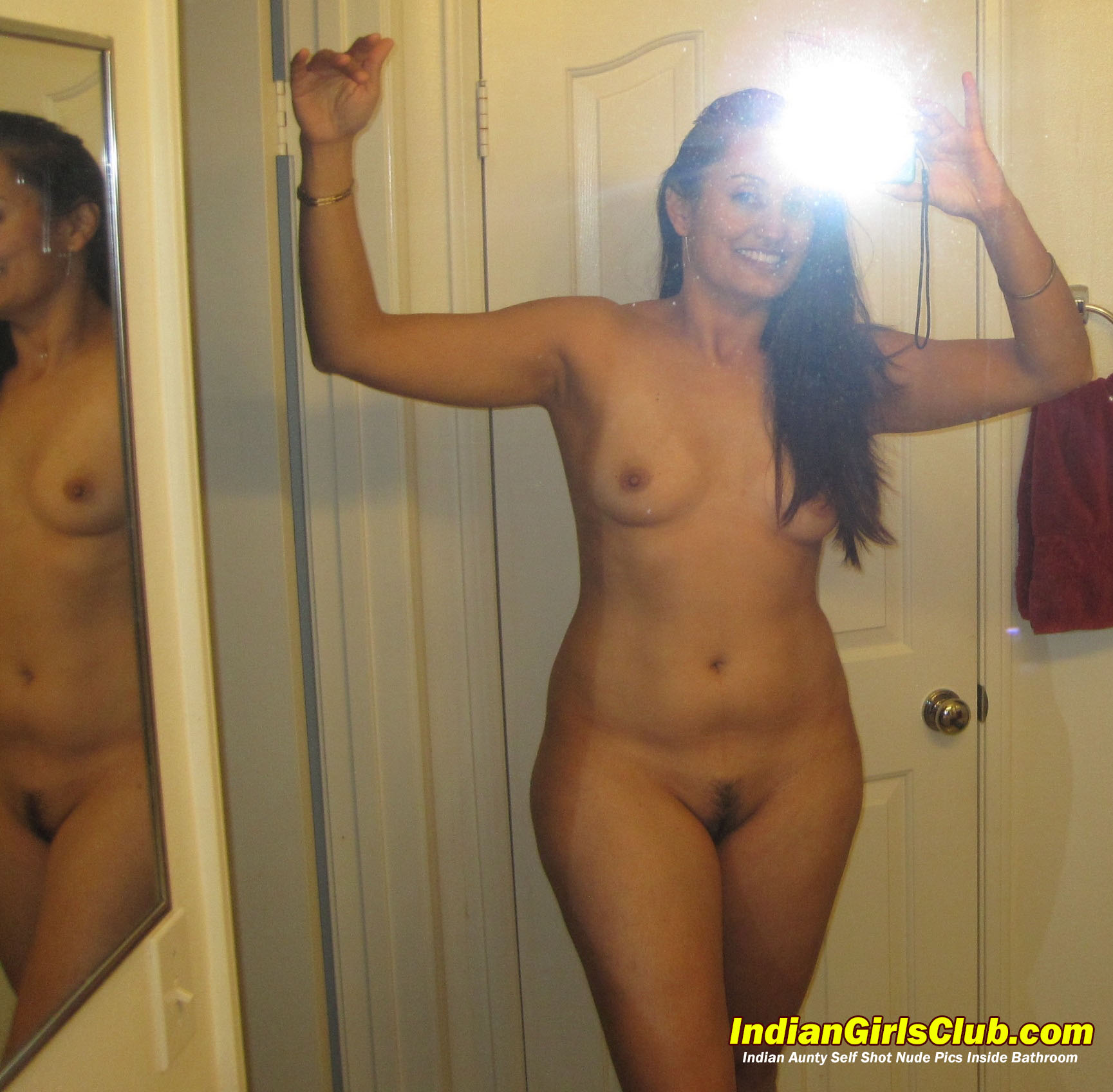 indian babe self nude pics
