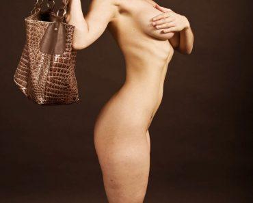 kareena kapoor nude pics 2