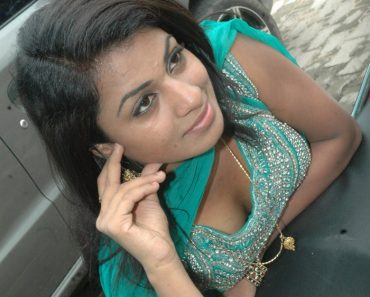 Indian Girls Cleavage 3