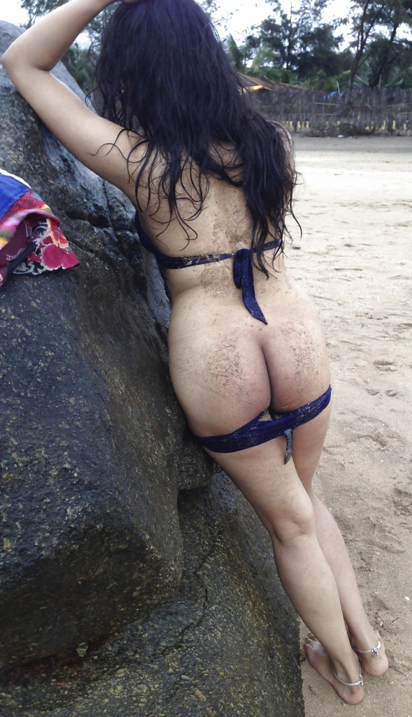mature-hairy-hot-girl-beach-naked-indian