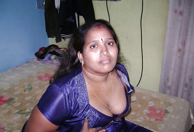 Nighty wife sexy indian