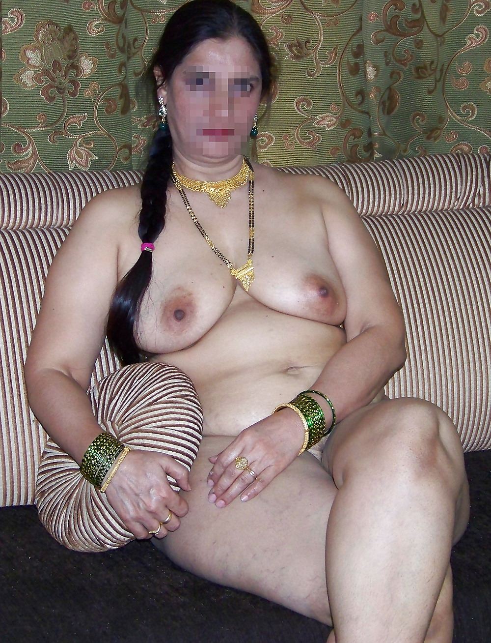 india mature mom nude -