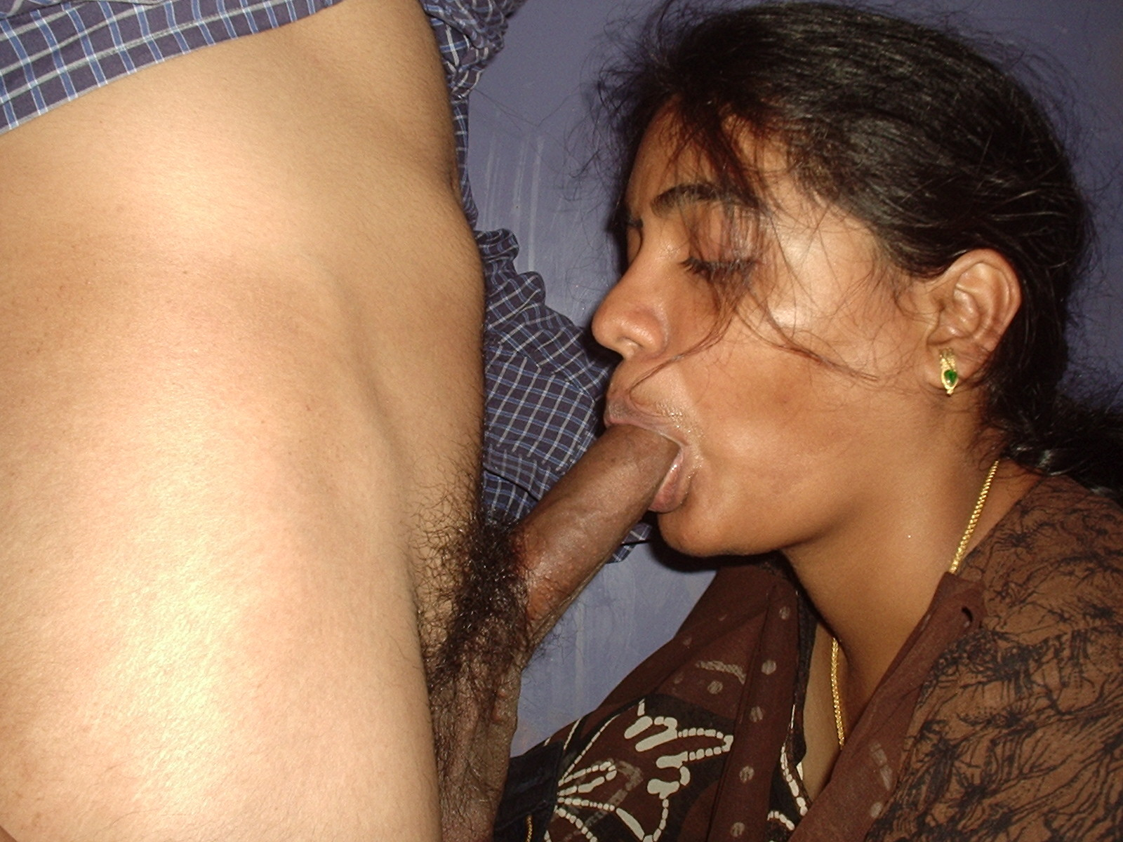 sucking-tamil-girls-and-aunties