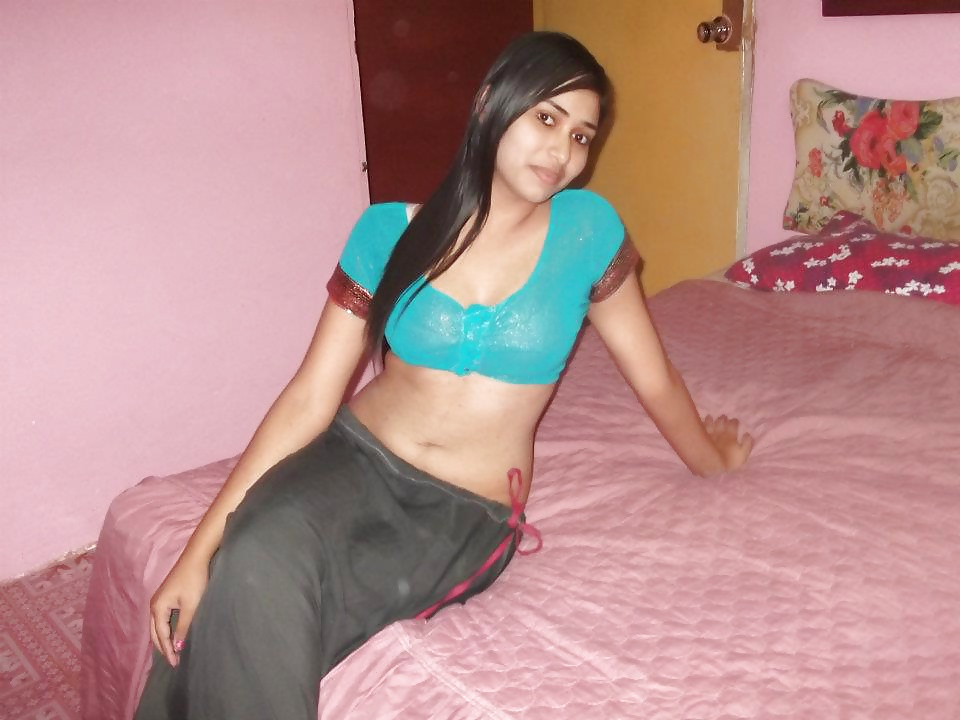 1st Time Seel Pack Indian Girl Sexy Video With Chut Blooding