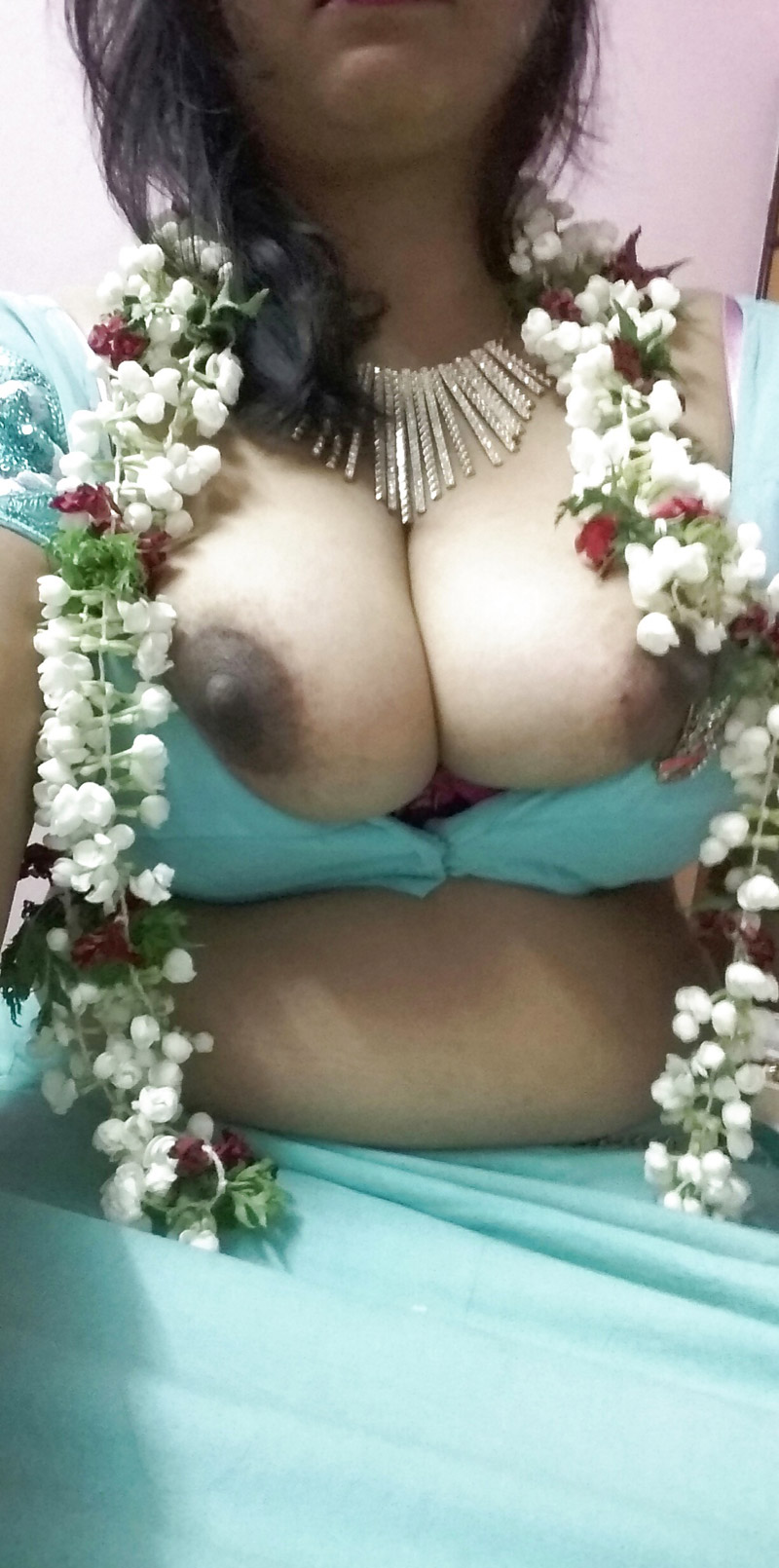 hot indian aunty velamma juicy big boobs - indian girls club