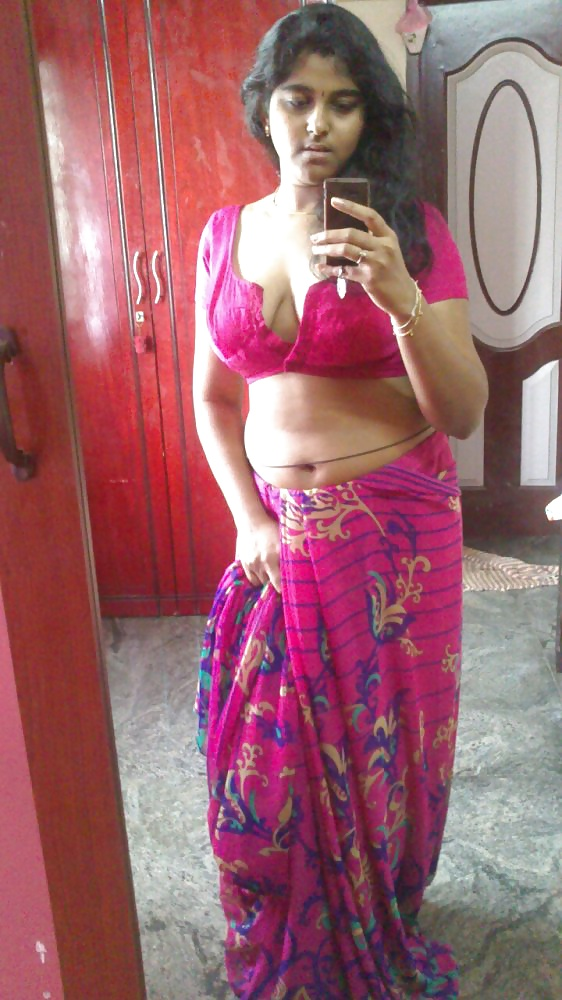 Neha Indian College Babe Nude Selfie Photos