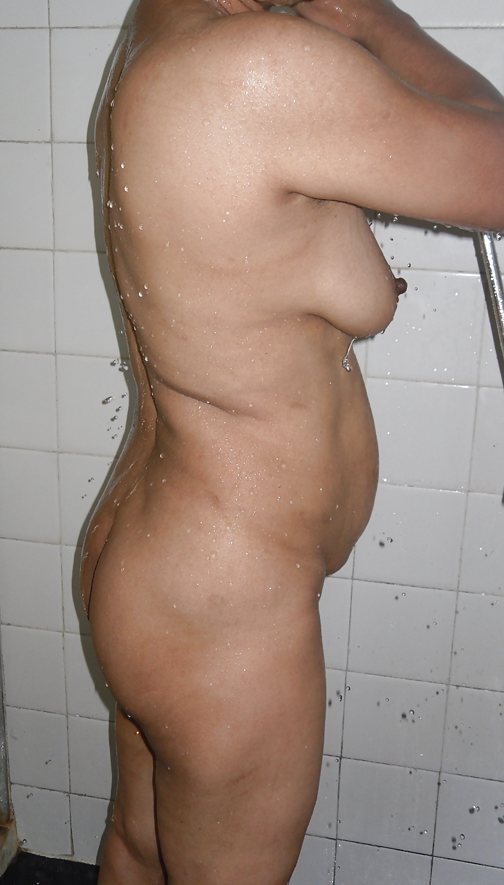 Indian MILF Wife Voyeur Shower