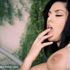Sunny Leone Big Tits Bollywood Babe 3