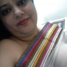 Mumbai Amateur Indian Beautiful Bhabhi Nude 2