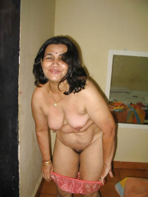 Aunty Naked Mature