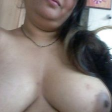 Indian Bhabhi Getting Naked Bedroom Pics 12