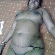 Mumbai Bhabhi Nude XXX Indian Sex Photos 11