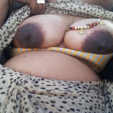 Aromatic Indian Bhabhi Sex Nude XXX Pics 7