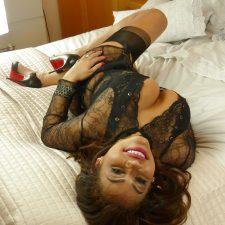 Home Alone Horny Indian MILF Sajni Nude