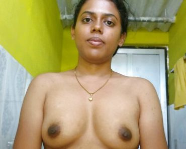 Priya Young Indian Bhabhi Nude Sex Photos