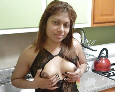sexy_indian_bhabhi_fishnet_