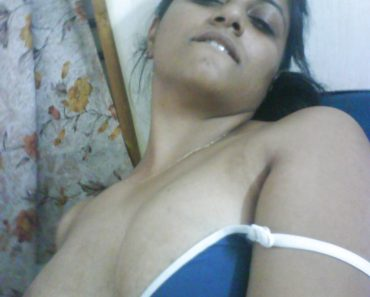 usha_indian_girl_nude_1