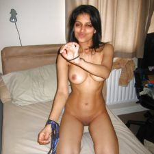 Hot Indian Babe Nude Porn Photos