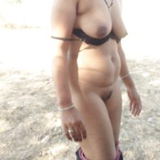 Indian Bhabhi With Her Lover Nude Photos