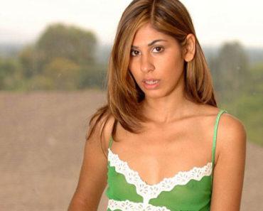 Mariam British Indian Babe Porn Photos
