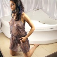 Indian XXX Model Shanaya Juicy Boobs Exposed