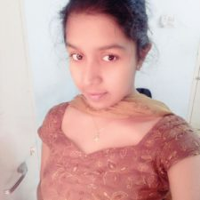 Cute Indian Teen Babe Cleavage Photos