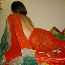 Sex Photos Of Indian Wife In Saree Getting Naked In Bedroom