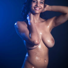 Indian XXX Photos Nude Indian Girl Shanaya Oily Boobs 8
