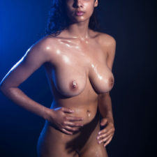Indian XXX Photos Nude Indian Girl Shanaya Oily Boobs 16
