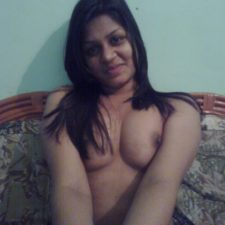 Unseen Nude Indian GF Porn Showing Tits